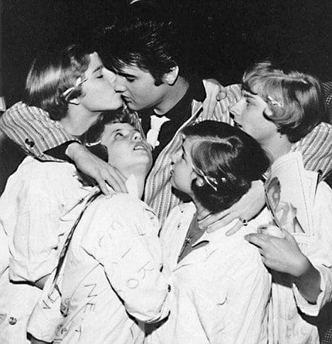 Elvis Presley Küçük Kızlardan Hoşlanıyordu