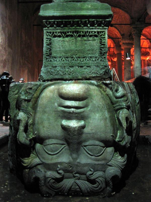 Cehennem - Yerebatan Sarnıcı Medusa Heykeli