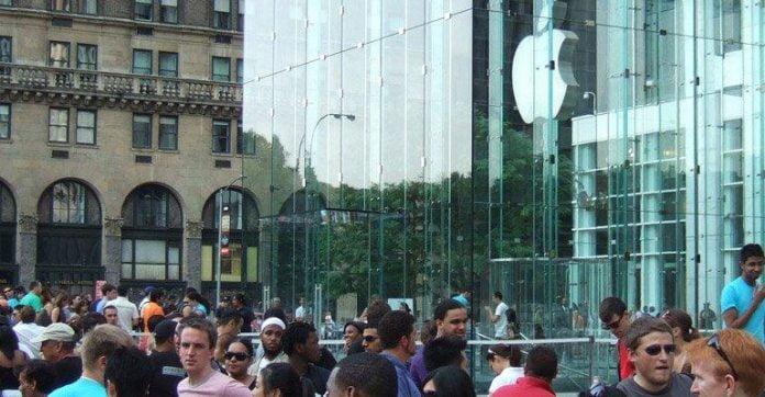 Apple 3 Gün içinde 9 Milyon iPhone Sattı