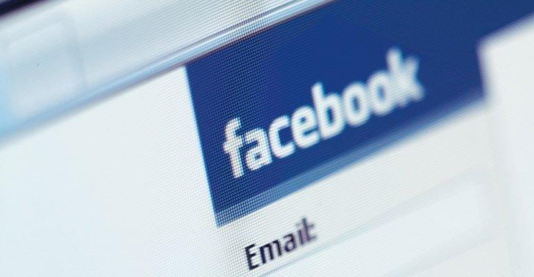 Facebook Yeni Özellik Testi Yapıyor: Popüler Konular