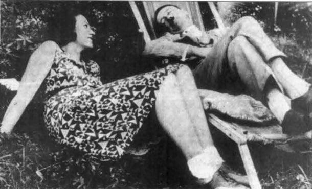 2-Hitler, üvey yeğeni ile tartışmalara yol açan bir ilişki yaşamıştır.