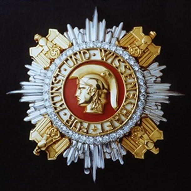 4-Nobel ödülünün Hitler versiyonu