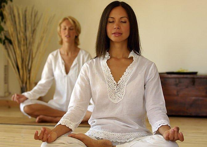 Hızlı Kilo Verme için 16 Yöntem: 11. Yoga yapın