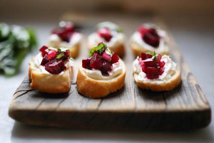 Pancarlı ve Peynirli Kanepe